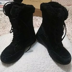 Columbia black boots